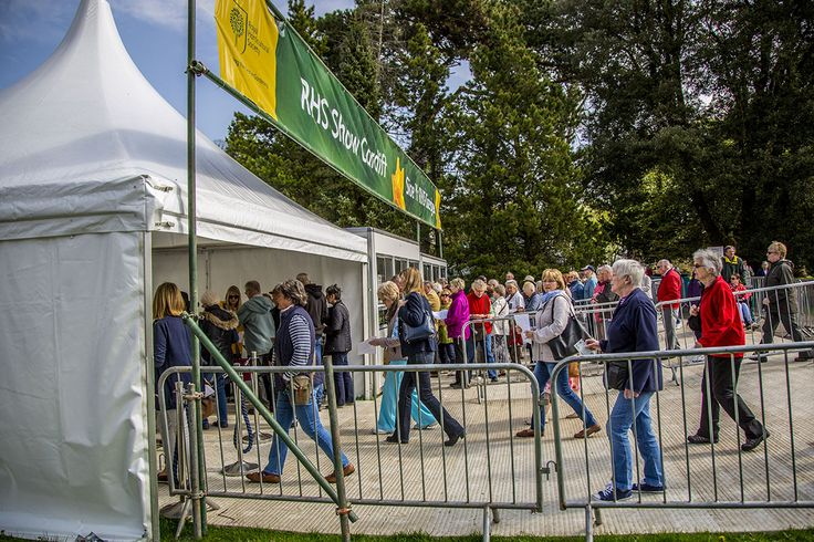 RHS Cardiff Flower Show 2015 There's a great family day out to be had at the RHS Flower Show Cardiff, Bute Park, Cardiff Castle. #RHSCardiff #ornategarden #rotatingpod #rotatingsphere #flowers #tulips ornategarden.com/