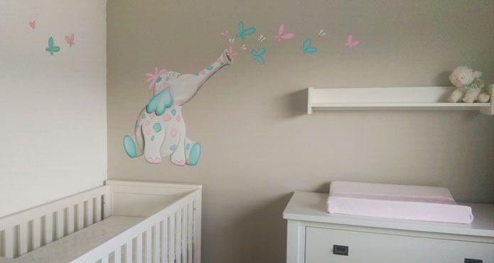 Olifantjes muurschildering, Vrolijke olifant voor in de babykamer gemaakt door BIM Muurschildering  elephant mural painting happy horse style