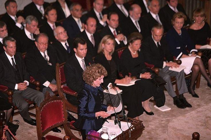 Ingreso de Carmen Iglesias, el 30 de septiembre de 2002. © «El País».