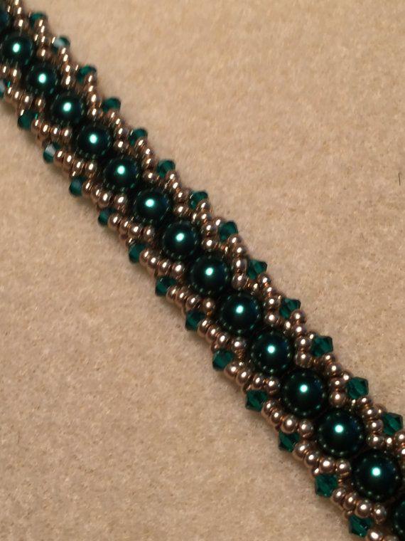 Emerald and Gold color Flat Spiral Beaded Bracelet