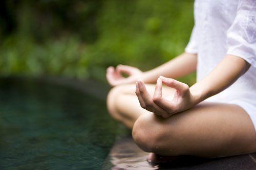 Descubre lo que puedes hacer para liberar el poder de la mente. Alcanza un mayor potencial en tu vida enfocándote en tus pensamientos y actitudes.