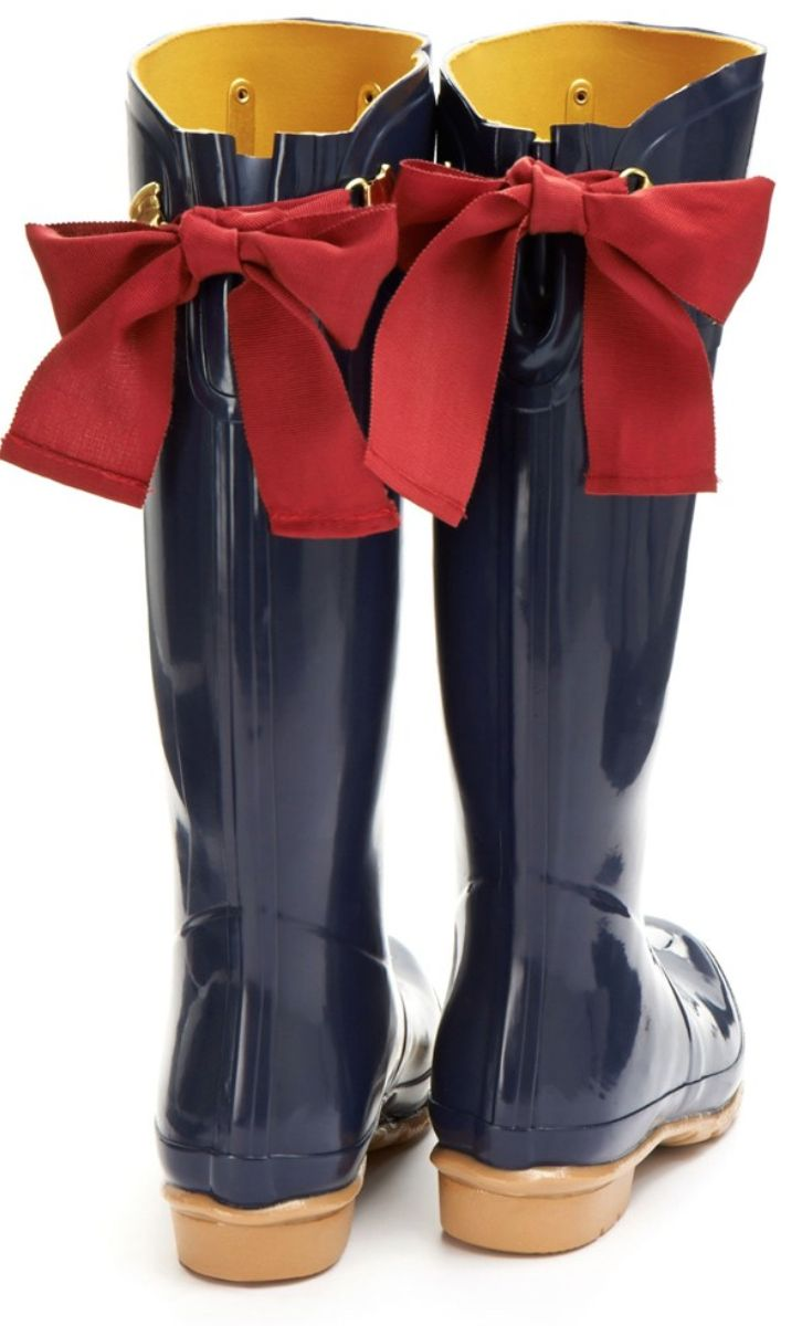 I wish it would rain more than just a few days a year so I could get a pair of these gorgeous rain boots!