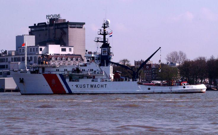 2006: ITC Tugparade Rotterdam, Kustwacht sleepboot Waker, de ex Smit New Houston. Na een brand aan boord is zij helaas naar de sloop moeten gaan.