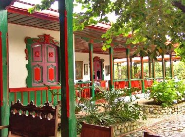 Casa Museo Hacienda La Cabaña (Calarca, Quindio) Alojamientos ...
