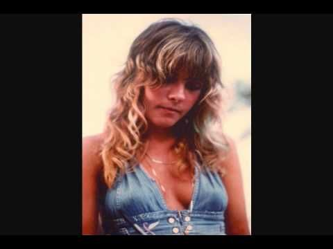 Leather And Lace - Stevie Nicks and Don Henley what a combination of voices,strong and clear,  I have my own life,I'm stronger than you know