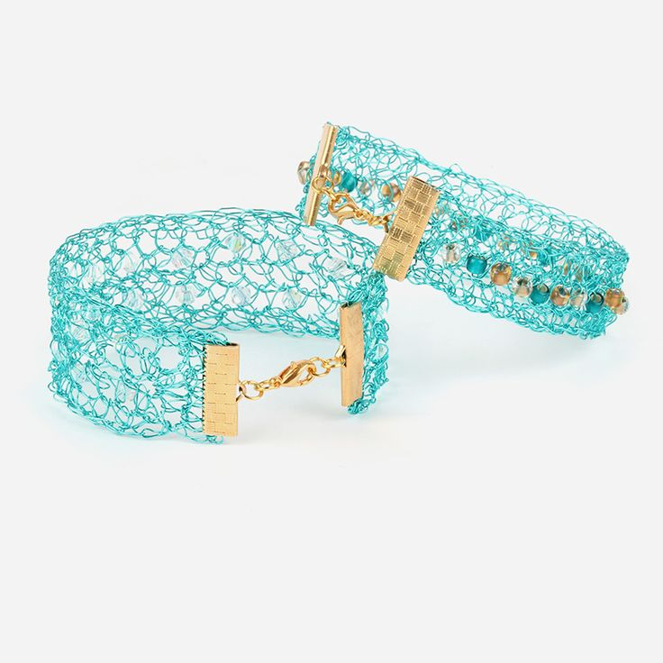 Learn how to make these glamorous wire crochet bracelets, perfect for adding a touch of sparkle to your Summer style! Get all the materials you'll need and watch your video tutorial NOW! <3