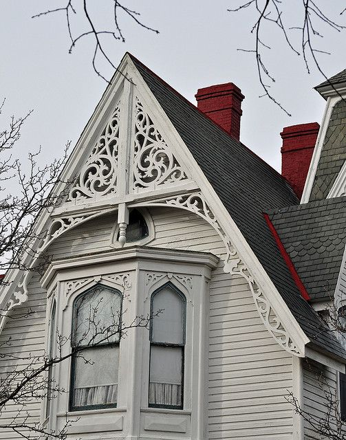 Beautifully carved intricate details that are found on so many historic Victorian homes.  One of the many reasons I love them - they are works of art you can live in! ~V