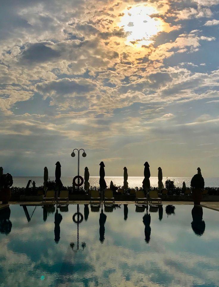 Kassandra Mare Swimming Pool Reflexion