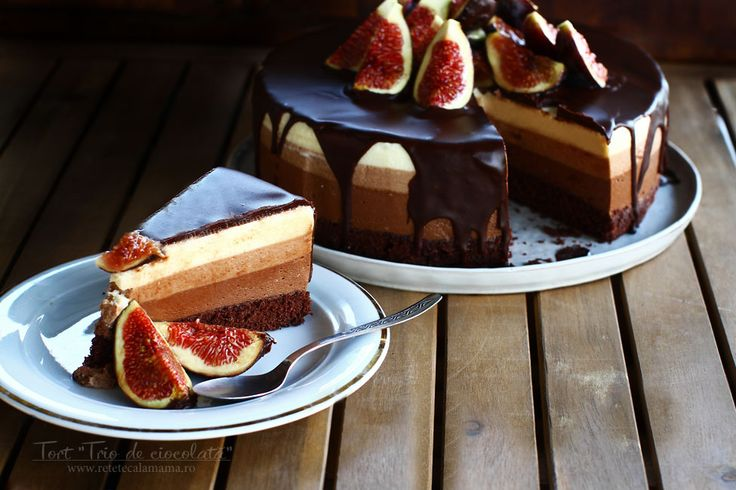 """Tort """"Trio de ciocolată"""" - rețetă video. Tort cu trei tipuri de ciocolate, rețetă video. Cum să faci un tort de ciocolată, video pas cu pas. Tort de ciocolată..."""