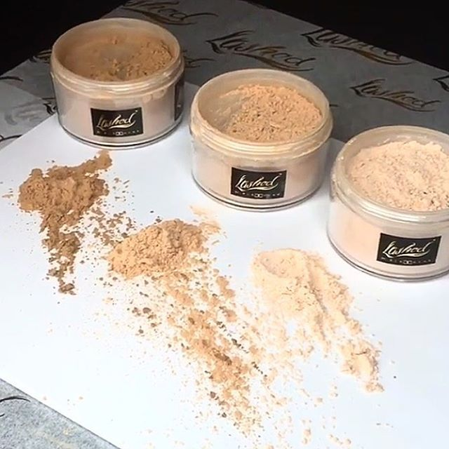 You have to try out Lashed Loose Translucent  powders I use it to set my foundation it's a silk , loose powder so u can have a soft , matte , cashmere finish ! I use Nude to Bake with !! 💕Sand , Neutral, Nude 💕 www.Lashedbar.co @lashedbyblacchyna www.lashedbar.co
