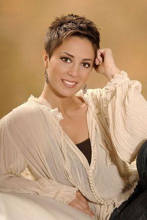 Lorena Nosic , short hair