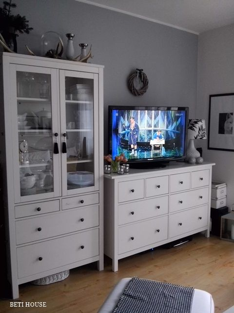 Hemnes Dresser As Tv Stand : 1000+ images about Sisustus on Pinterest  Shelves, TVs and Bookcases