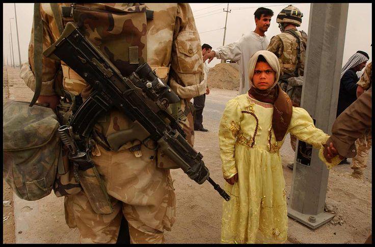Guerra do Iraque, perto de Basra, 2003© PETER TURNLEY-CORBIS