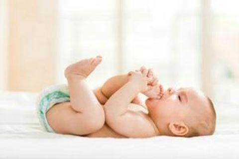 Estás embaraza, ¡enhorabuena! Sabes que el embarazo dura nueve meses. Pero ¿a partir de qué momento debes empezar a contar para calcular tu fecha de parto? ¿El último día de regla, la ovulación, la concepción…? No te comas la cabeza, te ofrecemos una herramienta simple y práctica para que calcules la fecha del parto sin problema.