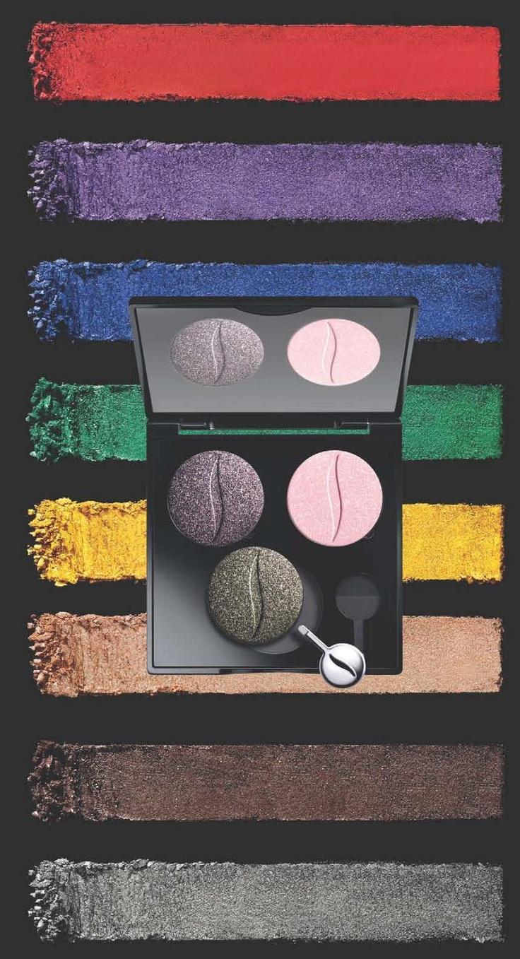 Benvenuta primavera! Crea il tuo make up personalizzato con la collezione di ombretti Colorful. Divertiti a comporre la tua palette personalizzabile con i 77 colori che Sephora ha selezionato per te e scegli l'effetto che preferisci tra specchio, perlato, mat e glitter! I nostri colori, i tuoi look!