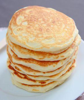 """La Cuisine de Bernard: Les Pancakes Recette pour 12 pancakes: -300g de lait demi-écrémé -1 oeuf -45g de beurre fondu -225g de farine -5g de sel -20g de sucre -3+1/2 cuillerées à café de """"baking powder"""" (la levure chimique c'est pareil!)"""