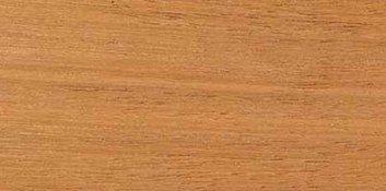 CEDRO: es una madera blanda de color rojizo,  muy conocida por su olor dulce.  El cedro es ampliamente utilizado en cajoneras, cubiertas y tejas. Se usa mucho en la construcción, para forrar muebles, etc.