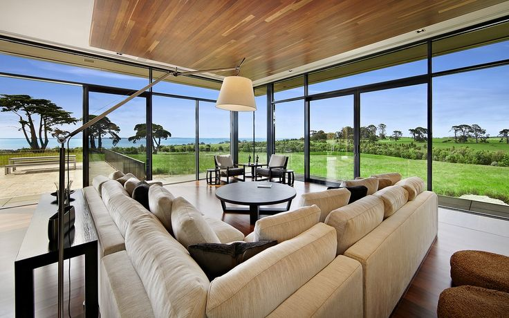 The estate, called Cunana, is located in Merricks, on the Mornington Peninsula in Victoria. It is an hour's drive from Melbourne, and known for its vineyards, olive groves and surf beaches. The area is sometimes described as the Hamptons of the southern hemisphere.
