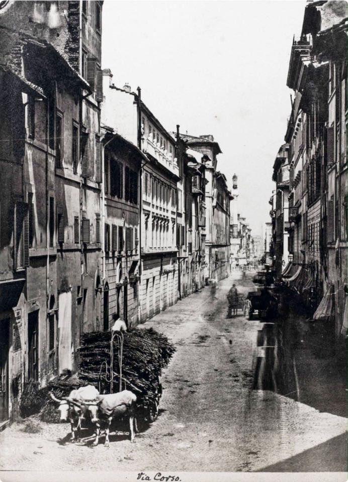 via del corso a Roma