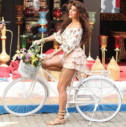 #JacquelineFernandez Find Latest #Bollywood #News About Your Favorite Actor/Actress