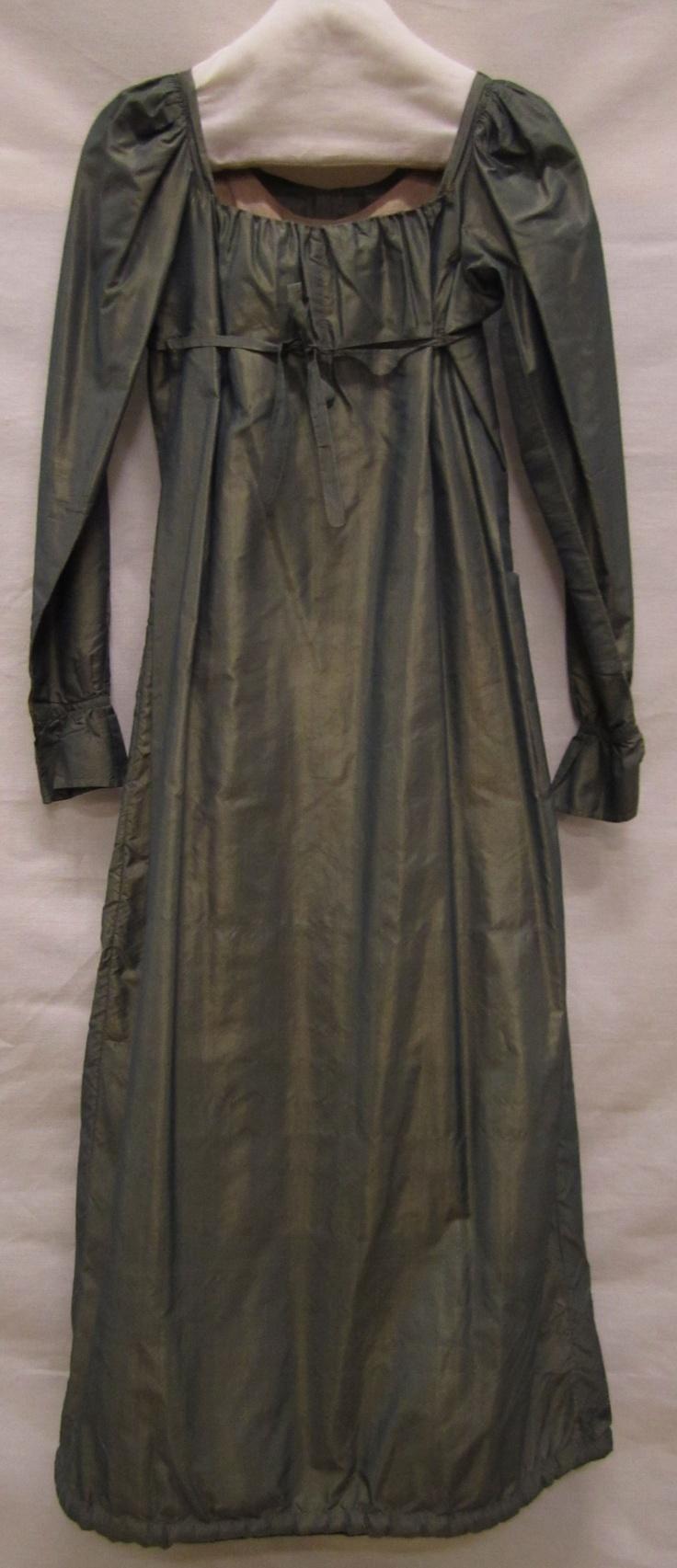 Japon | Gown, ca. 1810, tafzijde | taffeta, Gemeentemuseum Den Haag #modemuze #janeausten #gemeentemuseum