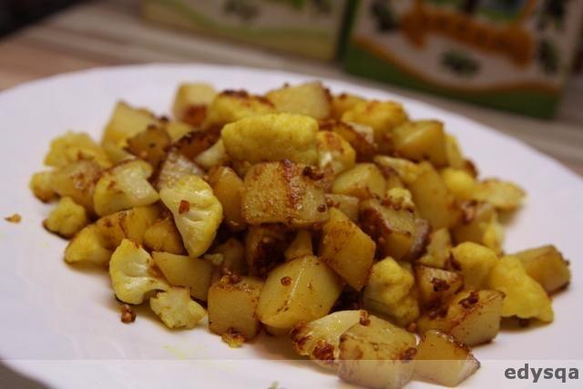 ziemniaki z kalafiorem po indyjsku