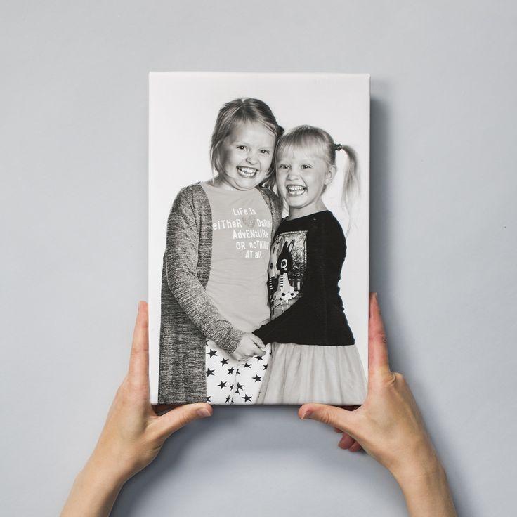 Somista kotona. ❤  #kanvaasi #canvas #taulu #sisustus #somistus #vinkki #kuvatuote #photoproduct #valokuva #muotokuva #lapsikuva #päiväkotikuva #koulukuva #rakkaat #kuvaverkko #sisustus #somistus #decoration #interiordesign #darlings #walldeco