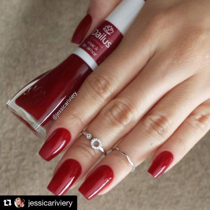 """9,010 curtidas, 76 comentários - @dailuscolor no Instagram: """"Quem também ama um vermelho? Esse é o #esmaltedailus Maça do Amor por @jessicariviery! Qual é o seu…"""""""