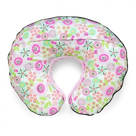 """Chicco Подушка для кормления Boppy Velour Sunny Day  — 3900р. -- Подушка для кормления """"Boppy Velour Sunny Day"""" розового цвета с двусторонним чехлом марки Chicco. Подушка для кормления Boppy от Chicco - это идеальный помощник мамы в период беременности и кормления грудью. Благодаря эргономической форме, подушка помогает маме расслабиться в период беременности, уменьшая нагрузку на поясницу и ноги. В период кормления помогает поддерживать ребенка в правильном положении, снимая нагрузку с…"""