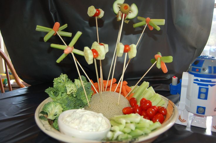 Star Wars Veggie Ships--- cucumber/tomato  tie fighters? Omg I have do those!