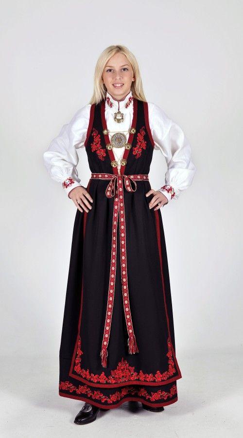Kvinnebunad fra Vest-Telemark