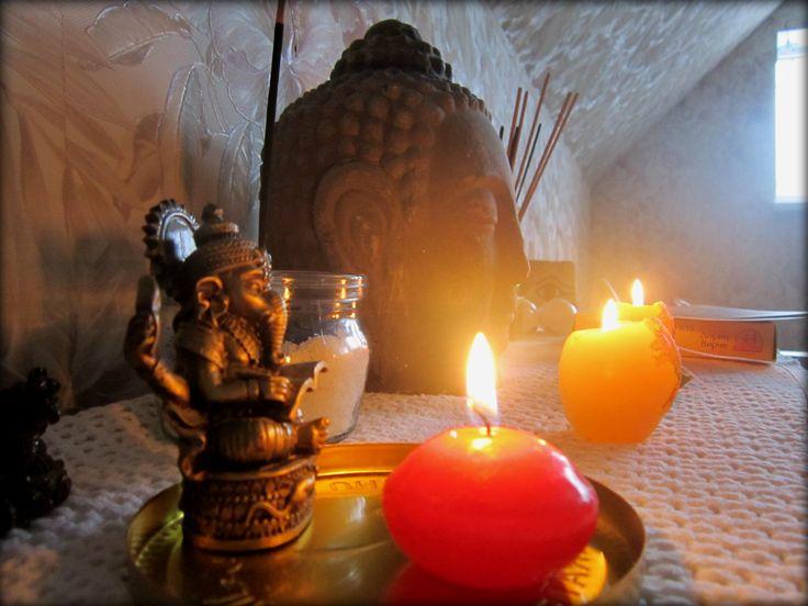 Buddha, Ganesh, altar