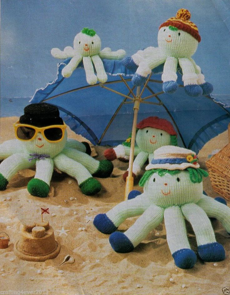 VINTAGE AT THE SEASIDE OCTOPUS FAMILY ANIMAL TOYS -3 SIZES-8PLY KNITTING PATTERN