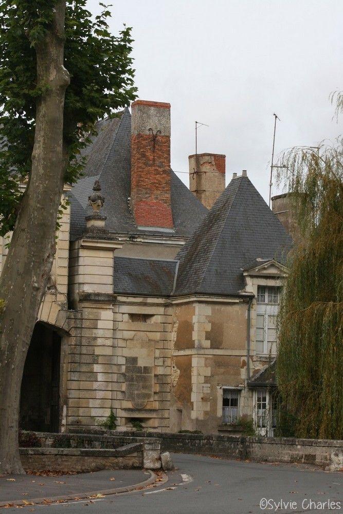 La ville de Richelieu a été créée par le cardinal de Richelieu en 1631 et constitue un chef-d'œuvre de l'urbanisme du xviie siècle. Porte de Châtellerault, Richelieu, Indre et Loire, France ©Sylvie Charles