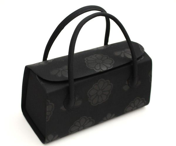 【楽天市場】【喪服用】正絹 ブラックフォーマル 和装バッグ 被せ型バッグ 「菊文」 高級黒バッグ 「日本製」衿秀謹製:きもの 和<なごみ>