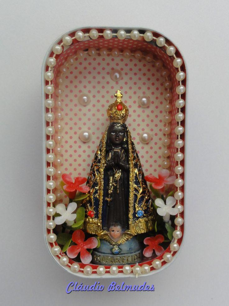 """""""Oratório de Nossa Senhora Aparecida"""" na latinha de sardinha"""