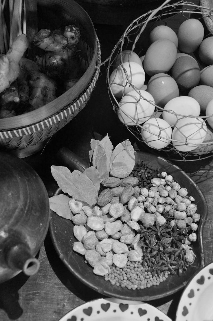 Set up shooting for TVRI . #vegetable #egg #food #foods #foodie #foodoftheday #foodlovers #blacknwhite #bw #art