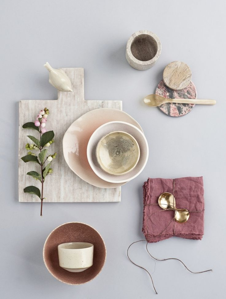 Colour scheme: grey, stone, reddish purple, blush, pale blue | Styling: Revolver // Photography: Martin Sølyst