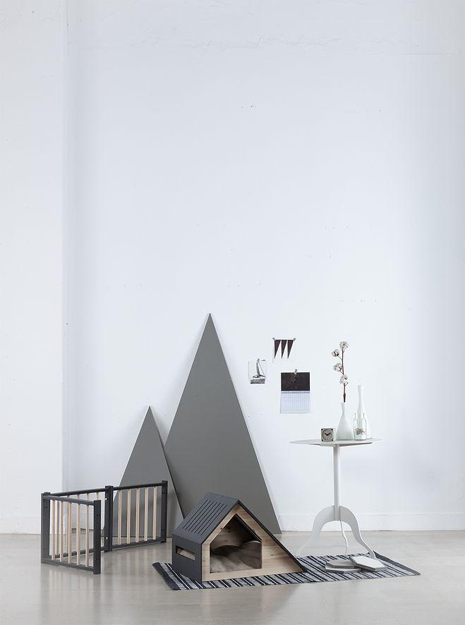 BAD MARLON   collection dog house