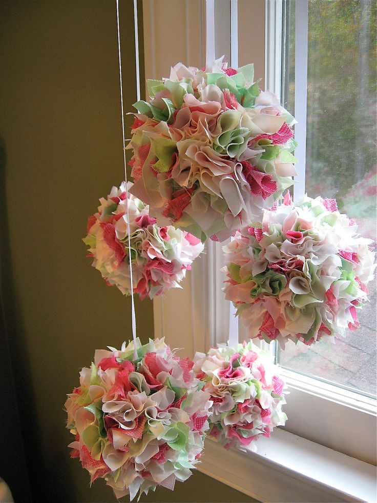 Shabby chic baby mobile Would like in a girl's nursery for decoration.l