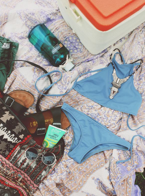 How To Pack A Cooler Cooler For Your Day At The Beach | Free People Blog #freepeople