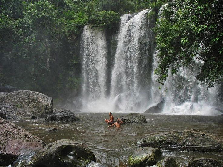 Phnom Kulen National Park's main attractions are its waterfall, the Thousand Lingas at Kbal Spean and the reclining Buddha of Preah Ang Thom pagoda.