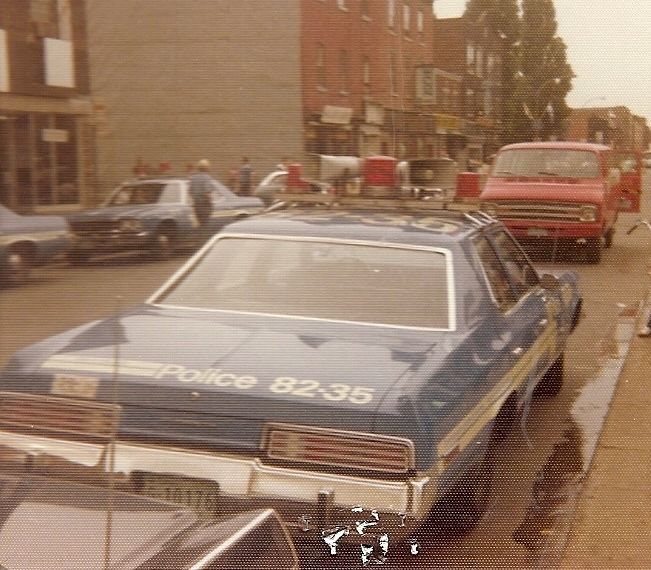 Montreal Police 1975 Plymouth GranFury