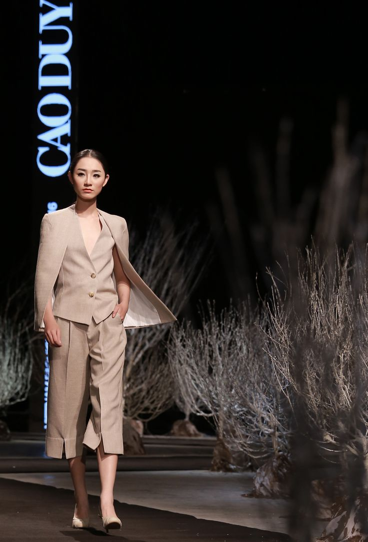 Vietnam Fashion Week FW16. Ready to wear. Designer : Cao Duy. Photo : Binh Son
