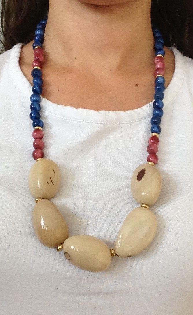 Collar elaborado con Tagua