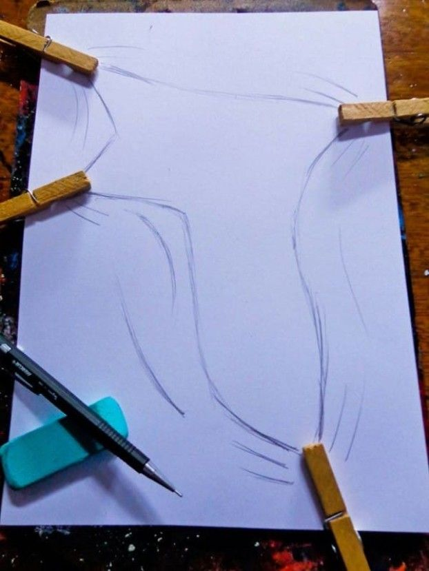 Er befestigt Wäscheklammern an einem Papier. Wenn er damit fertig ist, fallen Dir die Augen aus | LikeMag | We like to entertain you