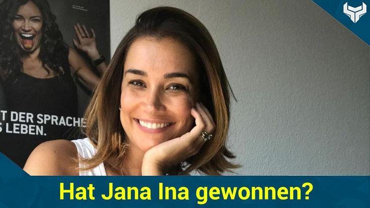 """Was bedeutet dieses Strahlen von Jana Ina Zarrella (40)? Die Frau von Giovanni Zarrella (39) soll momentan mit Sarah Lombardi (24) um einen Job konkurrieren  und zwar geht es um die Moderation der neuen RTL II-Kuppelshow """"Love Islands"""". Könnte es sein dass die 40-Jährige das Rennen bereits für sich entschieden hat? Das lässt zumindest ein aktuelles Foto vermuten!   Source: http://ift.tt/2sNU8xZ  Subscribe: http://ift.tt/2sDjZtK mit Sarah Lombardi: Hat Jana Ina gewonnen?"""