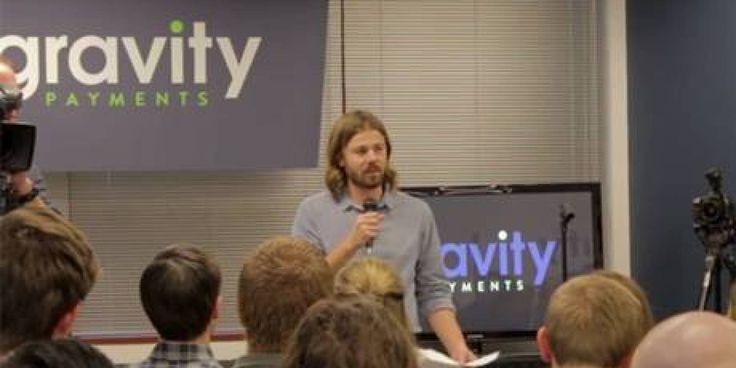 Dan Price CEO of Gravity Payments. U$70.000/Y Emotional Wellness