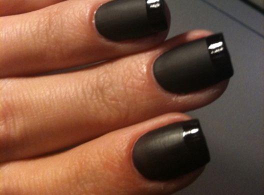 mat-zwarte-franse-manicure2