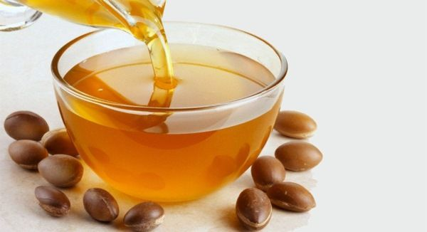 Óleo de Argan - atualmente é o óleo vegetal com melhores indicativos tanto para a pele como para os cabelos. Conheça.